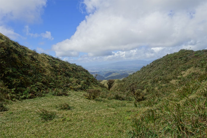 Hiking Manana Trail to Aiea Ridge