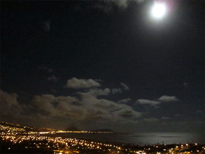 Hiking Diamond Head under a Blue Moon