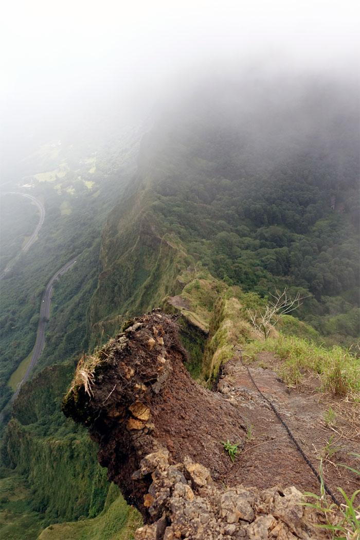 Hiking Commando Trail to Kalihi Saddle (Powerlines)