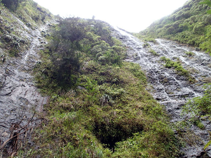 Hiking Waipuilani Falls
