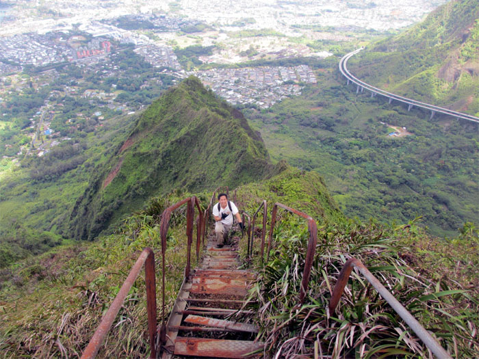 Hiking Halawa Ridge to Haiku Hidden Stairs