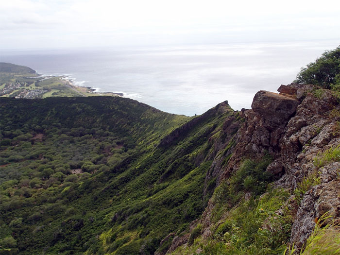 Hiking Koholepelepe ( Koko Crater )