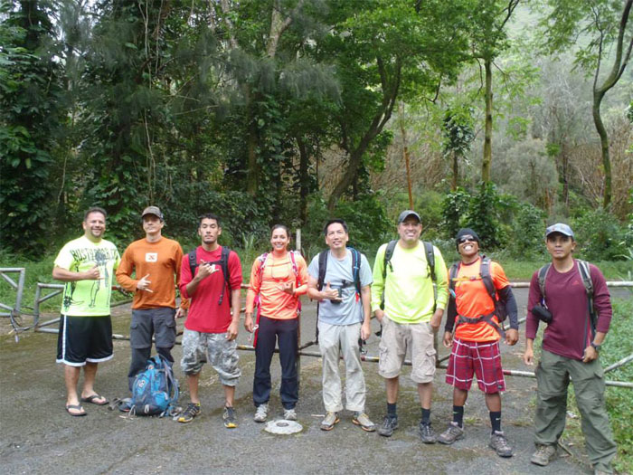 Hiking Kalihi Saddle to Lanihuli