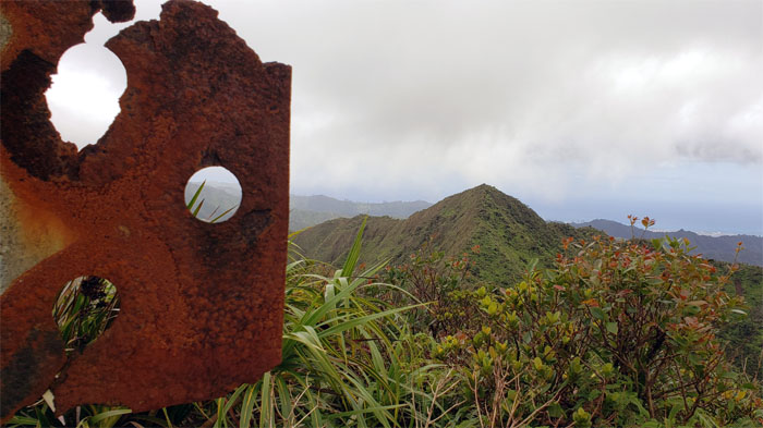 Hiking Aiea Loop Trail to Moanalua Valley