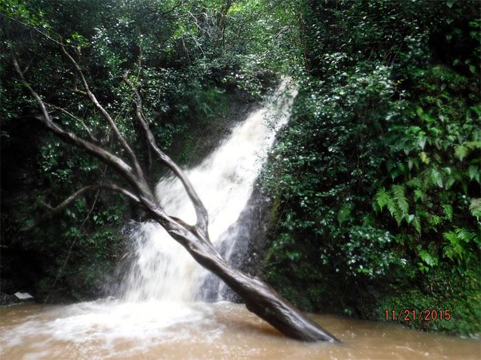 Hiking Malaekahana Falls