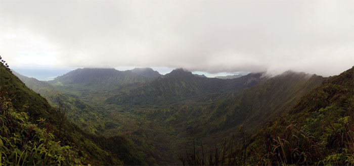 Hiking Poamoho Trail to Waikane Trail