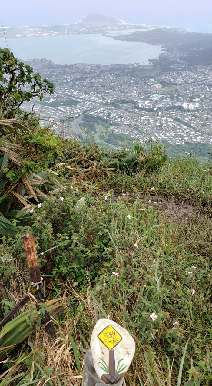Hiking Kalihi Saddle (Powerlines) to Stairway to Heaven