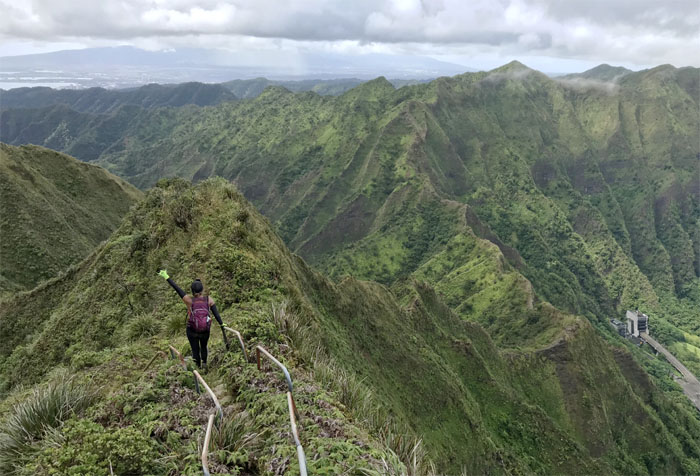 Hiking Kalihi Saddle (Powerlines) to Kulana'ahane Trail