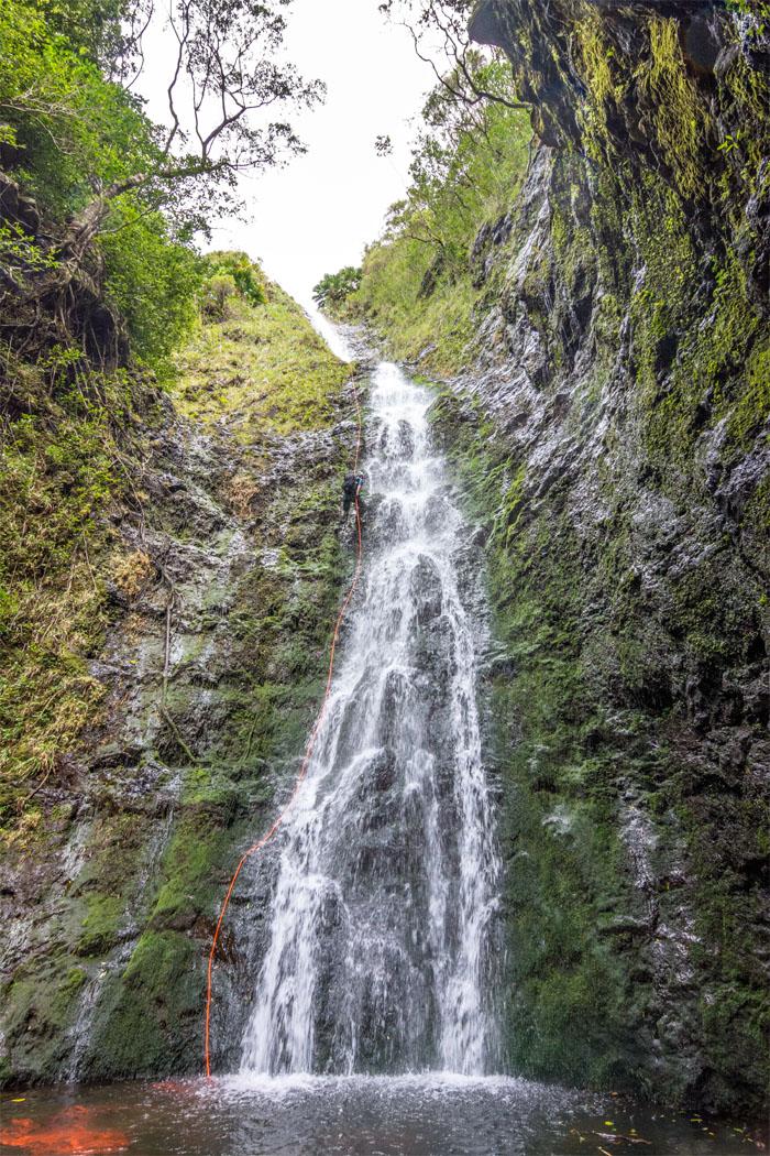 Rapelling Lulumahu  Falls
