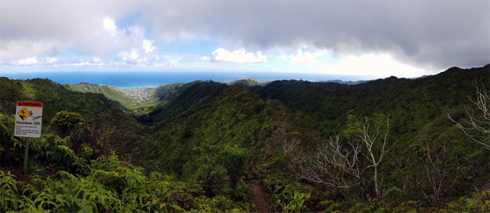 Hiking Wiliwilinui Ridge Trail