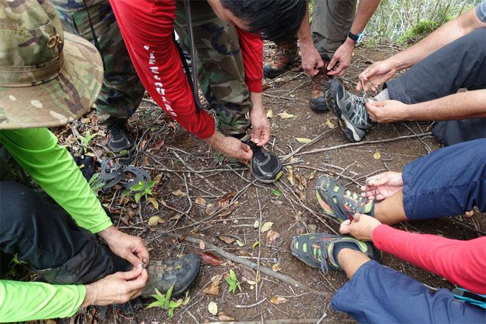 Shoelace tying lesson