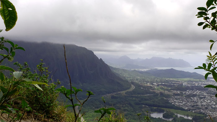 Other side of Nu'uanu Saddle