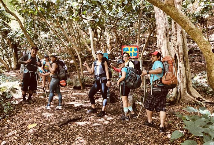 Waimanu Trail