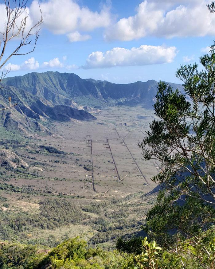 Lualualei Valley